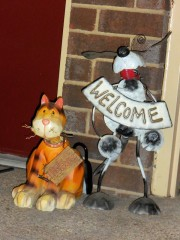 "The welcome sign on my ""welcome cat"" broke."