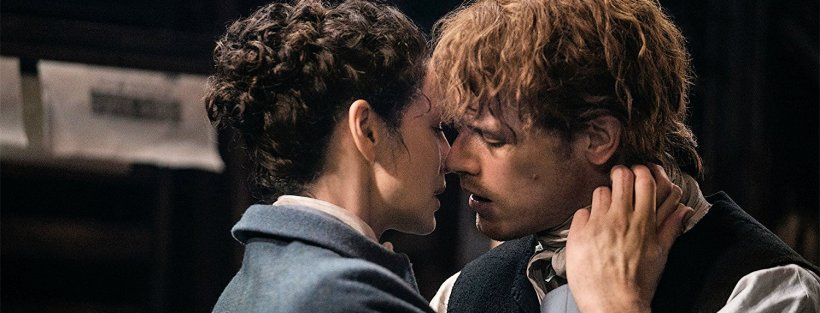 Claire and Jamie share a kiss after 20 years apart.