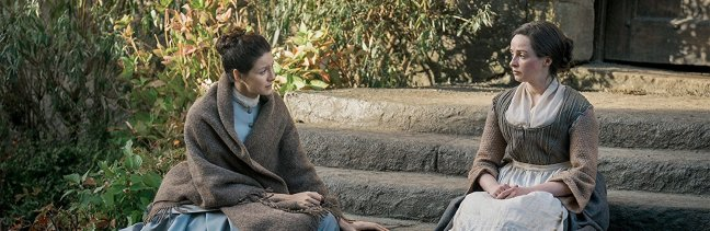 Claire and Jenny talk on the steps of Lallybroch.